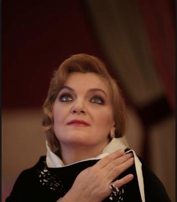 Elisabete Matos